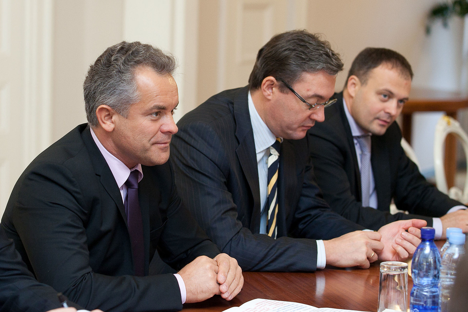Image for Plahotniuc Reshuffles Moldova's Parliament, Claims Prime Minister's Post
