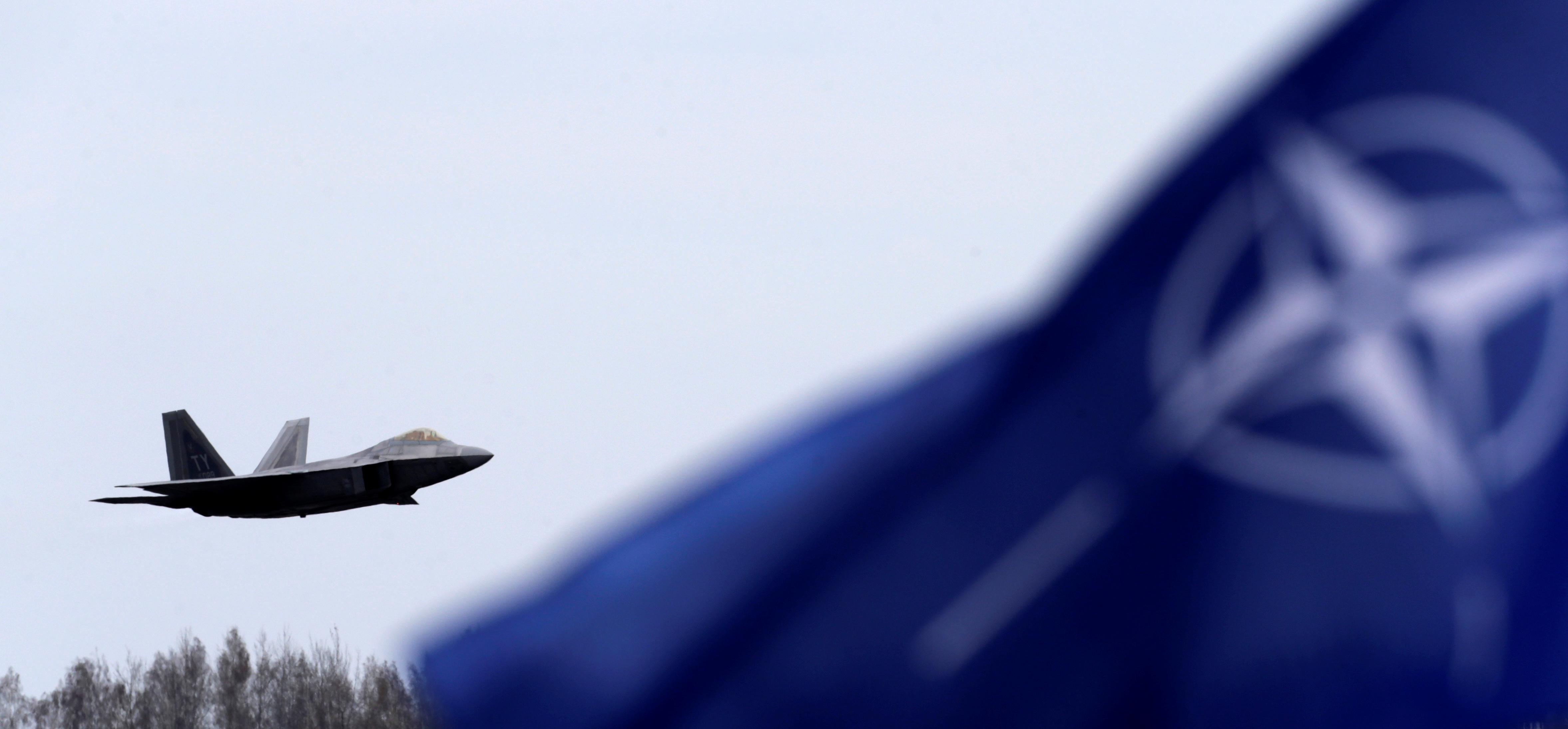 Image for Марши мира надо провести в Крыму, Донецке и Тирасполе